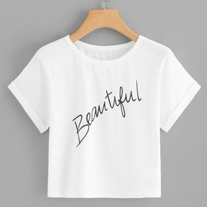 Tops - White crop top graphic text beautiful short sleeve